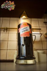 Kufel ciemnego domowego piwa stout  brewkit coopers