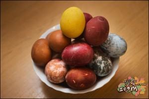 pisanki barwione metodami tradycyjnymi