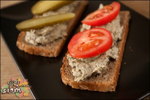 pasta do chleba z pieczonego bakłażana